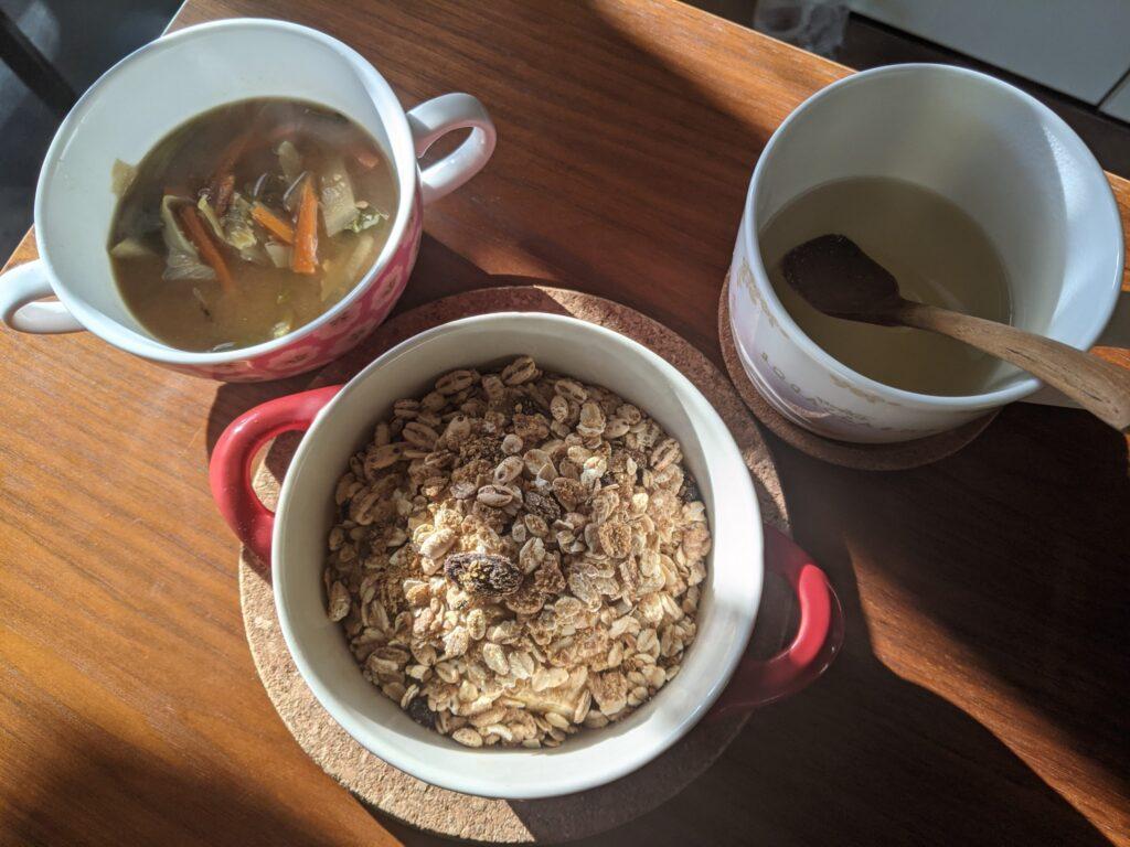 シリアルと味噌汁